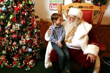 2013-Visit-With-Santa-Family-4-6